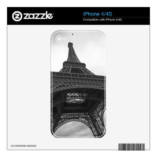 Black and white photograph of the Eiffel Tower Skin For iPhone 4S