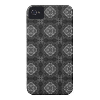 Black and White Retro Fractal Pattern iPhone 4 Cover