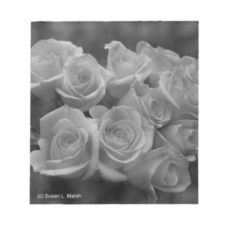 Black and white roses against spotted background memo notepads