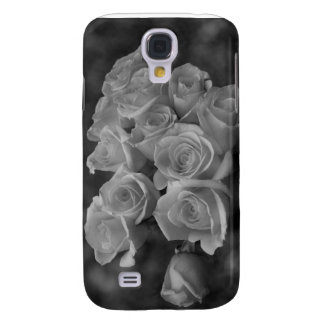 Black and white roses against spotted background samsung s4 case
