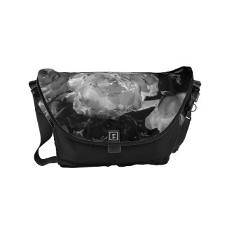 Black and white roses small messenger bag