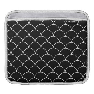 Black and White Scallop Pattern iPad Sleeve