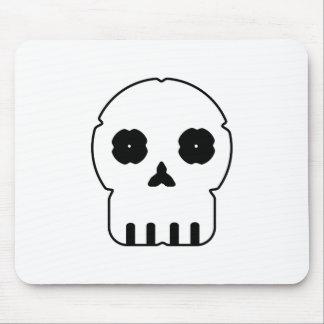 Black and white skull v3 mouse pad