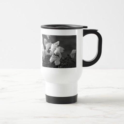 Black and White Snapdragon Stainless Steel Travel Mug