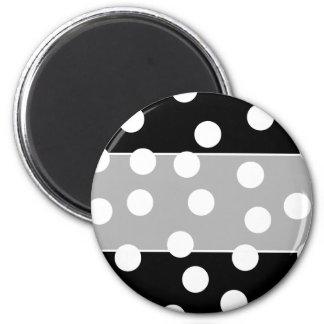 Black and White Spotty Design. Magnet