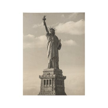 USA Themed Black and White Statue of Liberty Wood Poster
