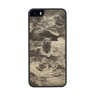 Black and White Tiger Boat Sailing Skylight Carved® Maple iPhone 5 Case