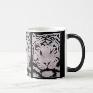 BLACK AND WHITE TIGER 11 OZ MAGIC HEAT Color-Changing COFFEE MUG
