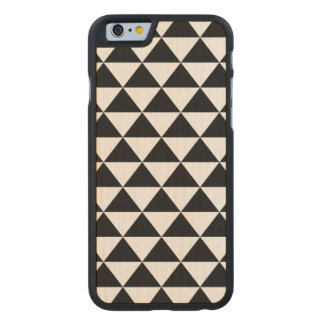 Black and White Triangle Pattern Carved® Maple iPhone 6 Case