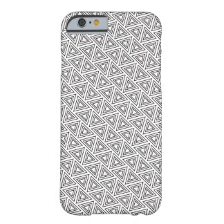Black And White Triangle Pattern - iPhone 6 Case