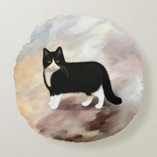 Black and White Tuxedo Cat Round Pillow
