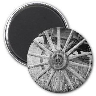 Black and White Wagon Wheel Magnet