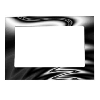 Black and White Wiggle Magnetic Photo Frame