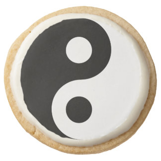 Black and White Yin Yang Symbol Round Shortbread Cookie