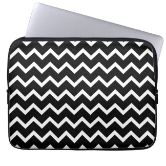 Black and White Zig Zag Pattern. Laptop Sleeve