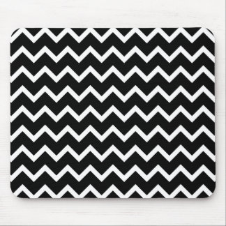 Black and White Zig Zag Pattern. Mouse Pad