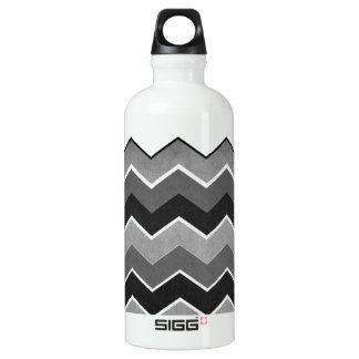 Black and White Zig Zag Pattern Water Bottle