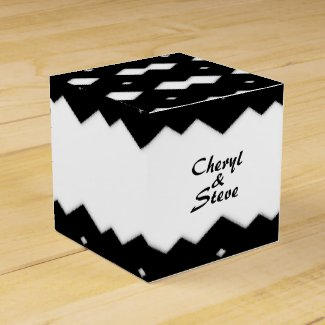 Black and White Zig Zags Design Favor Box