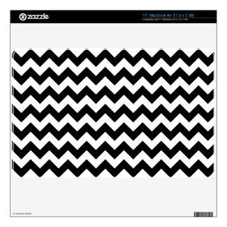 Black and White Zigzag Chevron Pattern MacBook Skin