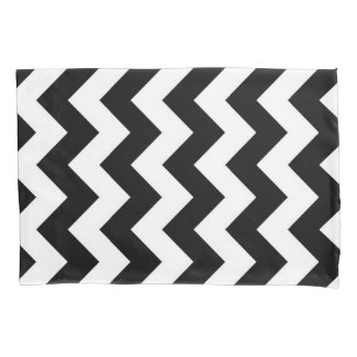 Black and White Zigzag Geometric Pattern Pillowcase
