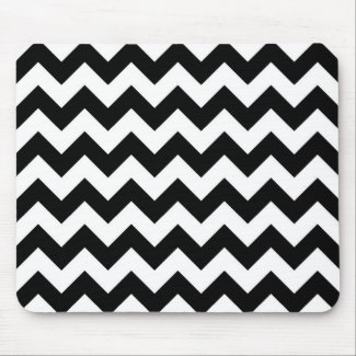 Black and White Zigzag Mouse Pad