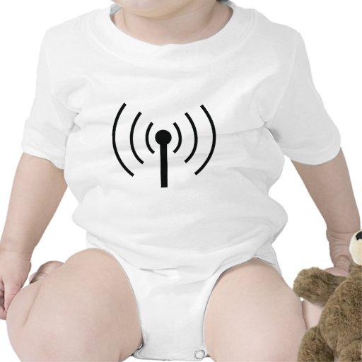 black antenna icon tshirt