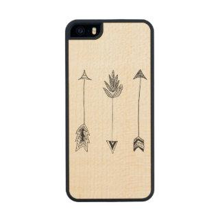 Black Arrows Carved® Maple iPhone 5 Slim Case