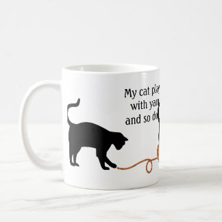 Black Cat & Heart Shaped Yarn (Orange) Coffee Mug