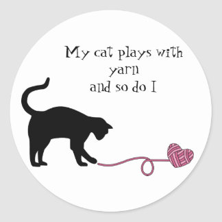 Black Cat & Heart Shaped Yarn (Pink) Round Stickers