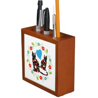 Black cats with hearts and flowers pencil holder