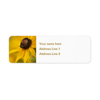 Black-Eyed Susan with a Teardrop Template Label