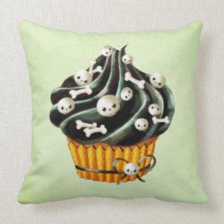 Black Halloween Cupcake with tiny skulls Pillow