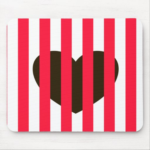 Black heart red lines mouse pad