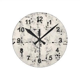 Black knows round clock