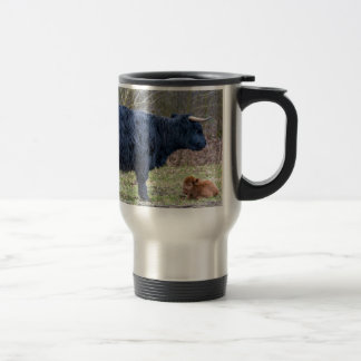 Black mother scottish highlander cow with calf travel mug