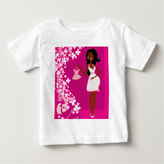 black pregnant woman t-shirt
