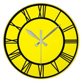 Black Roman Numbers Border Pattern Round Clock