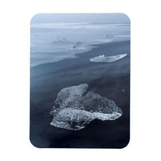 Black sand beach and ice, Iceland Magnet