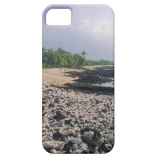 Black Sand Beach in Hawaii iPhone SE/5/5s Case