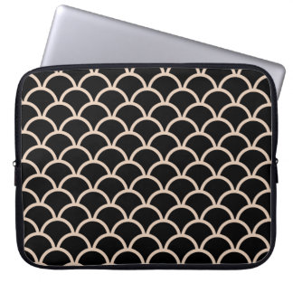 Black Scallop Pattern Laptop Computer Sleeve