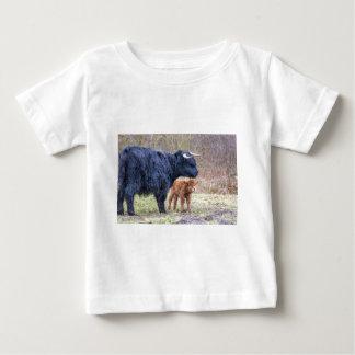 Black Scottish highlander mother cow with newborn Baby T-Shirt
