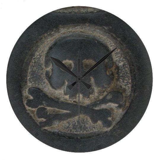 Black Skull Clock
