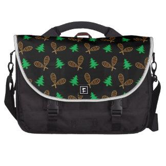 Black snowshoe pattern laptop bag
