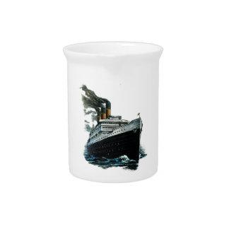 Black steamer ship Pitcher 19oz.