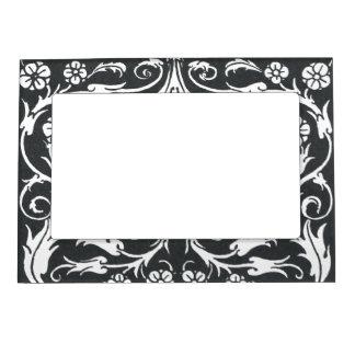 Black White Beardsley Art Nouveau Magnetic Frame