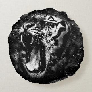 Black & White Beautiful Tiger Head Wildlife Round Pillow