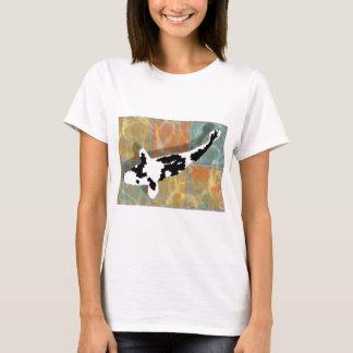 Black & White Bekko Koi in Tiled Pond T-Shirt