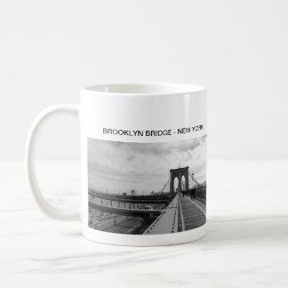 Black White Brooklyn Bridge - NY New York nr 1 Coffee Mug