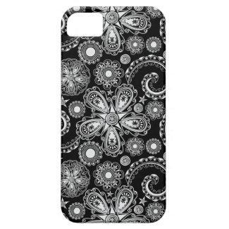 Black & White Floral Damask Pattern iPhone 5 Case