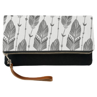 Black & white hobo pattern large feathers clutch